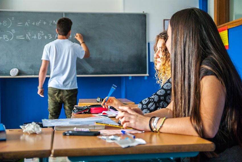 Studenti durante una lezione di matematica