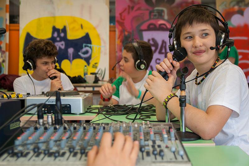 Scuola Secondaria Primo Grado - Radiofonia e Musica a Milano